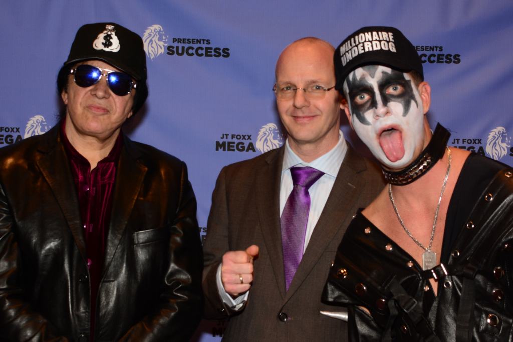 Singer, co-founder of Kiss